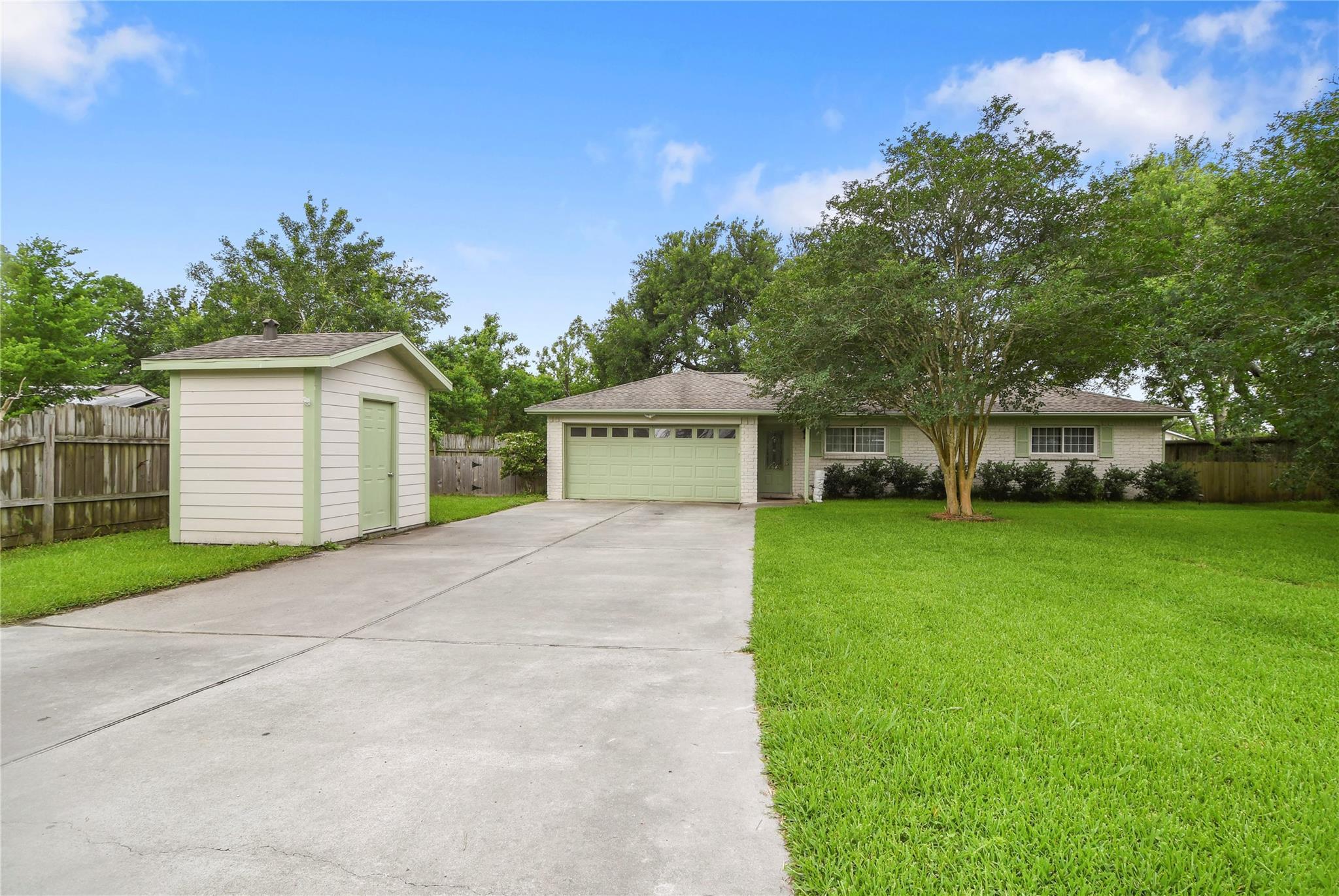 3712 Avenue E 1/2 Property Photo 1