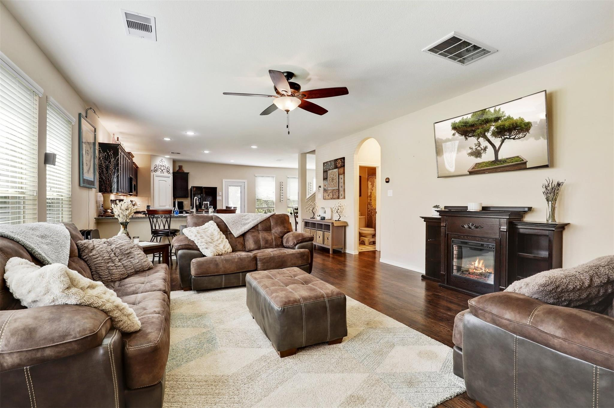 1402 Spencer Glen Lane Property Photo - Houston, TX real estate listing