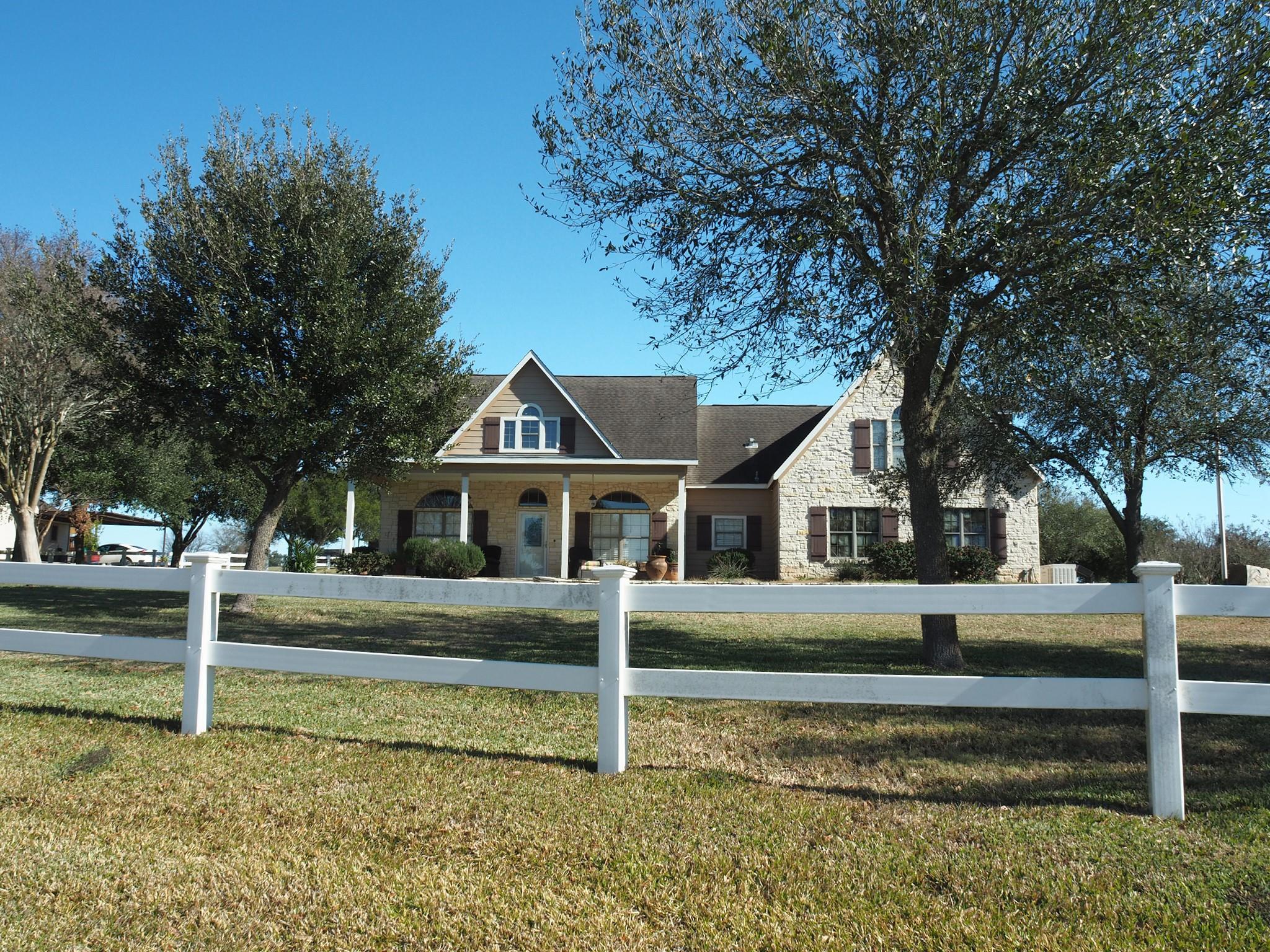 4141 Crestview Lane Property Photo
