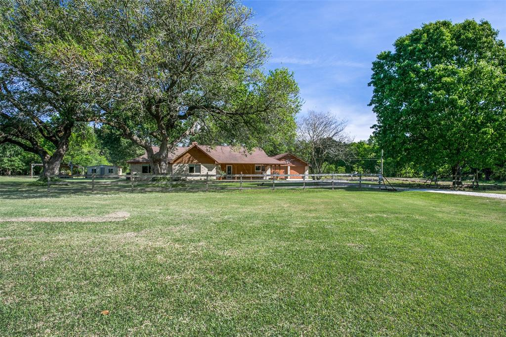 338 McKey Property Photo - Anahuac, TX real estate listing