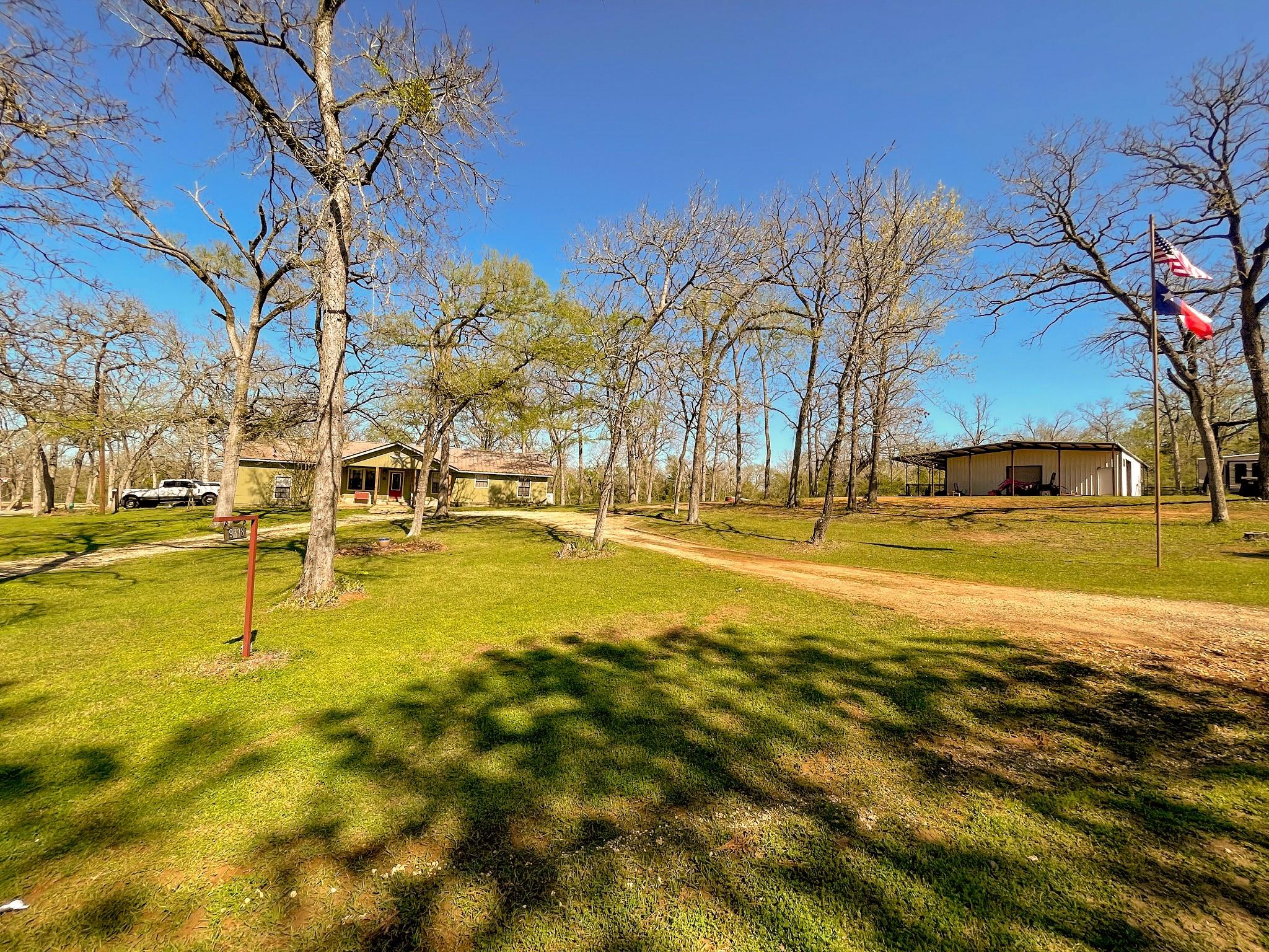 9338 County Road 393 Property Photo - Jewett, TX real estate listing