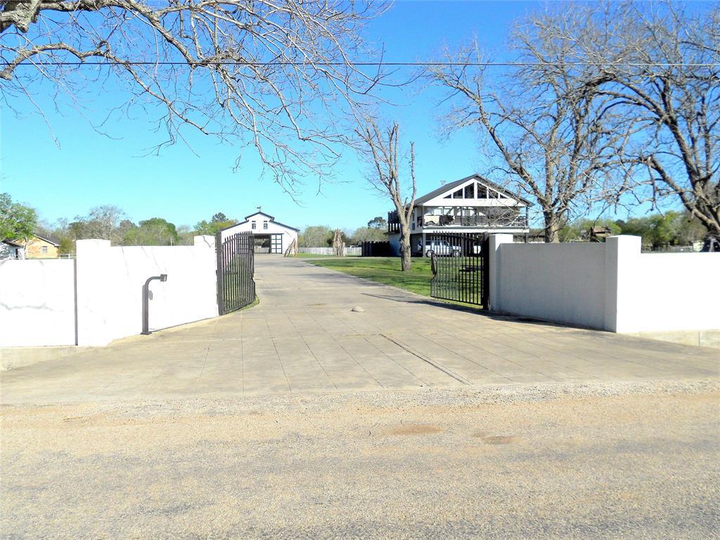 2111 Earl, El Campo, TX 77437 - El Campo, TX real estate listing