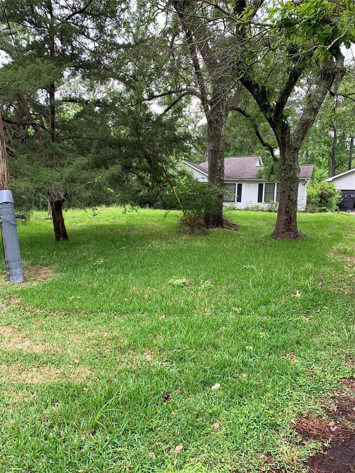 4931 Bayou Boulevard Property Photo