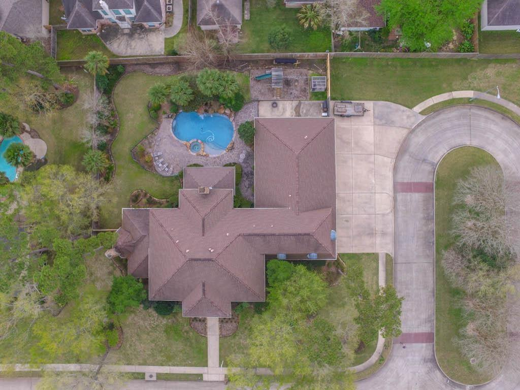 2926 Forest Gate Drive, Baytown, TX 77521 - Baytown, TX real estate listing