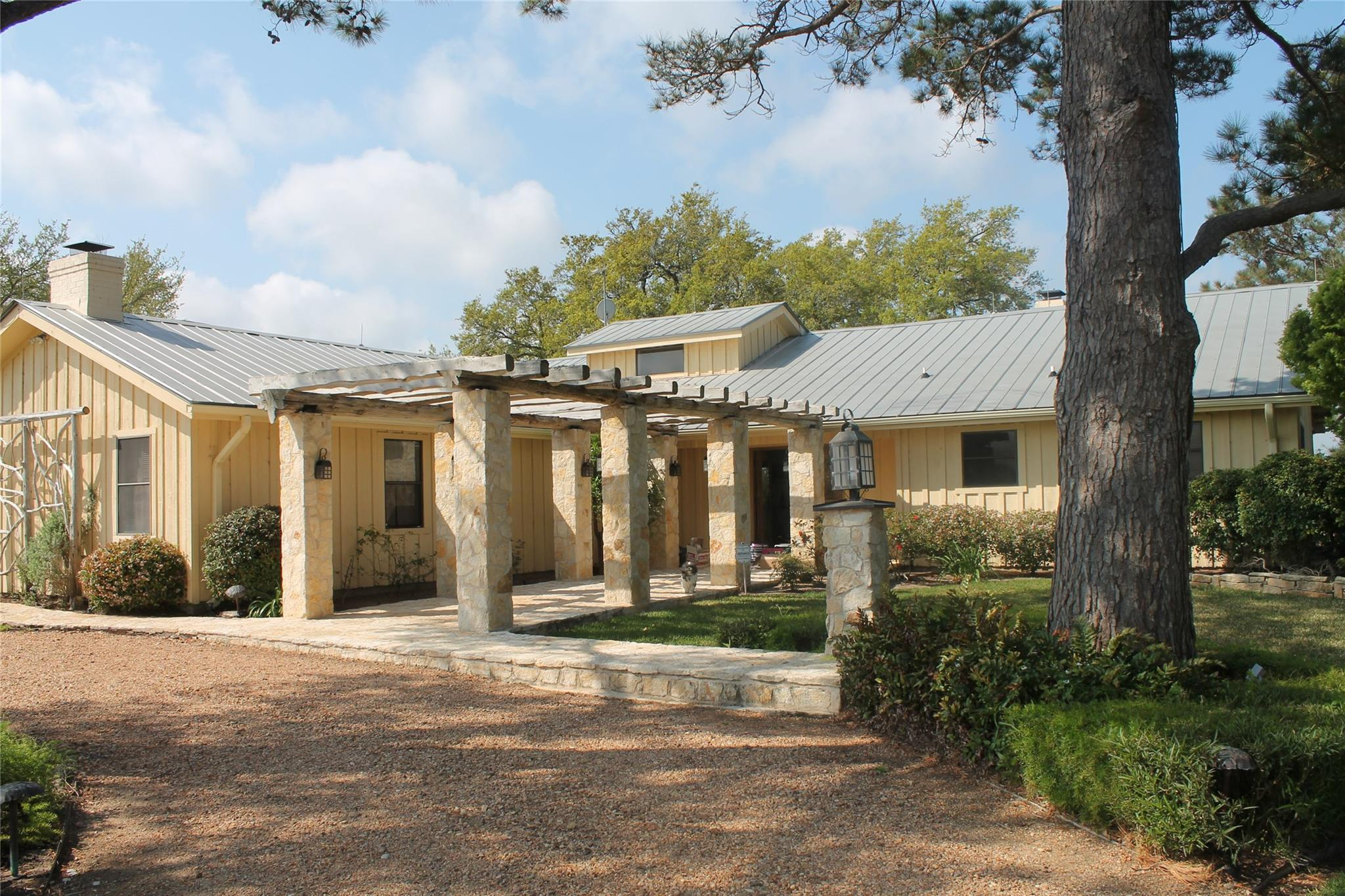 1634 Stokes Road Property Photo - New Ulm, TX real estate listing