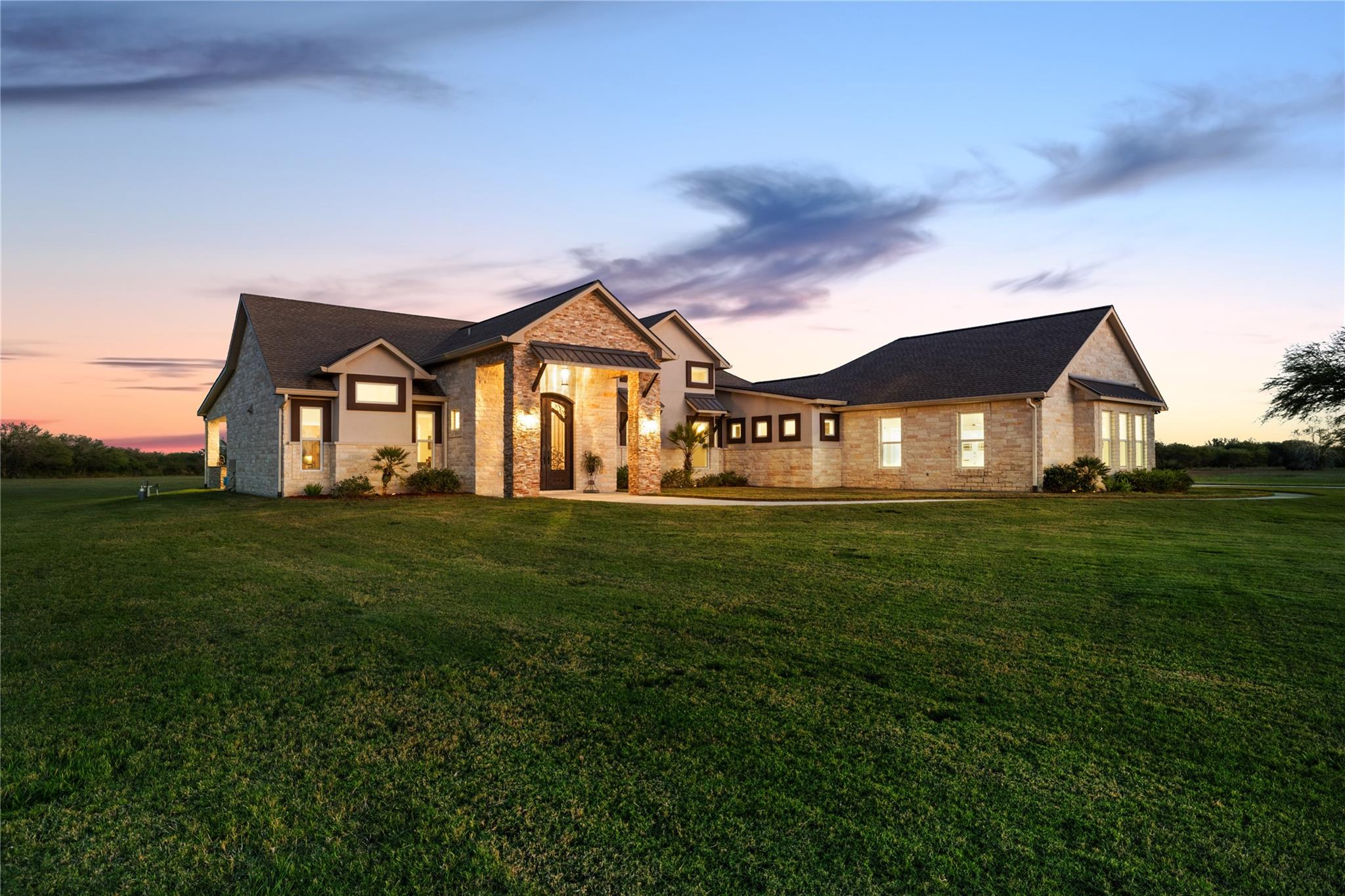 500 Sendera Loop Property Photo - Victoria, TX real estate listing