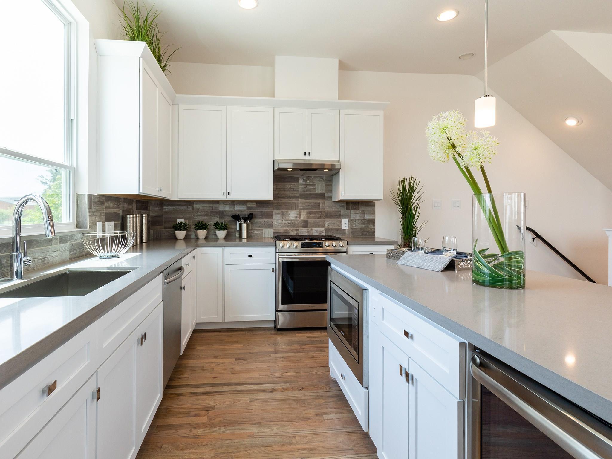2761 Clinton Drive Property Photo - Houston, TX real estate listing