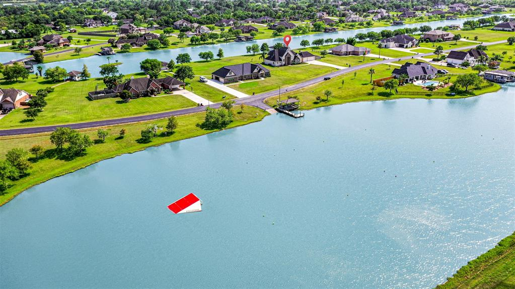 210 Lago Circle Drive N Property Photo - Santa Fe, TX real estate listing