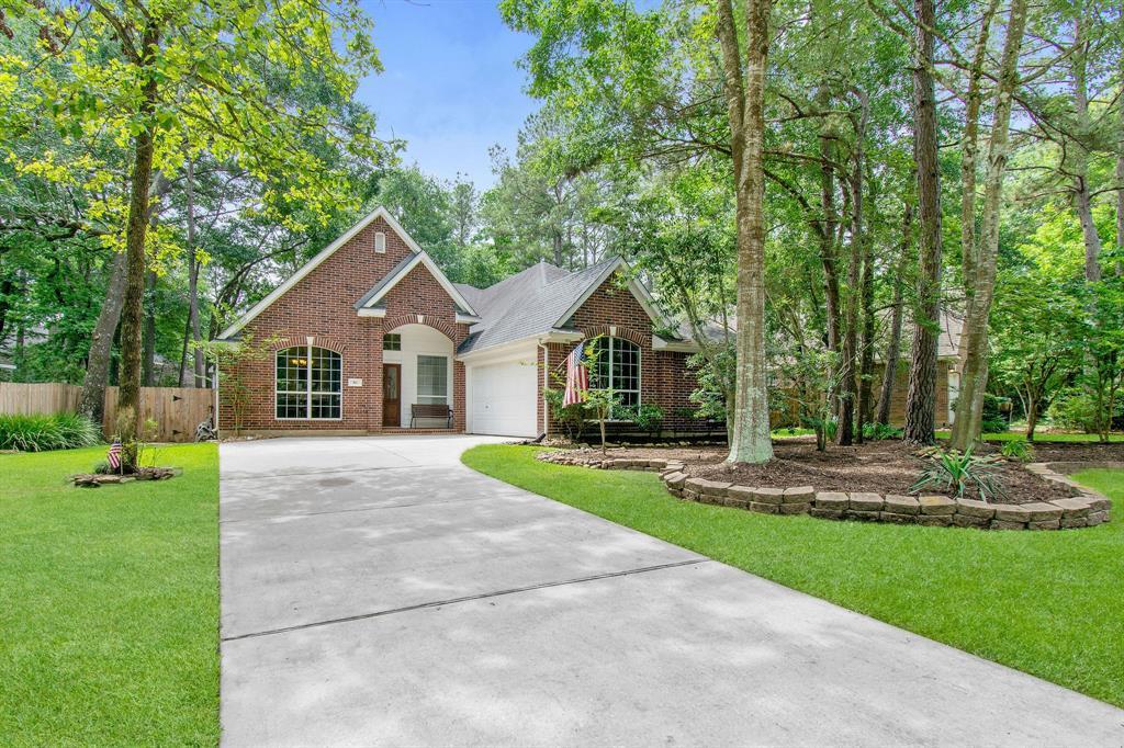 86 N Acacia Park Circle Property Photo - The Woodlands, TX real estate listing