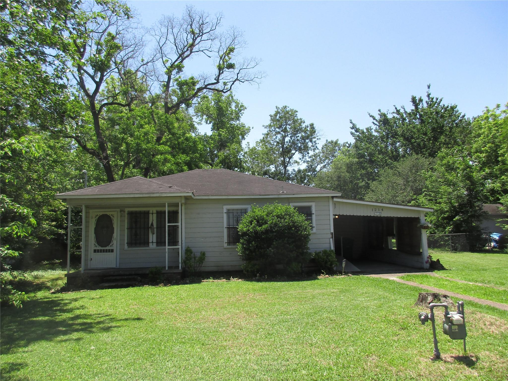 1214 Carby Road Property Photo