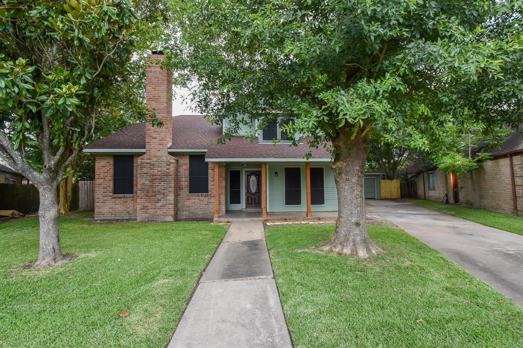 106 Kings Court Property Photo - Stafford, TX real estate listing