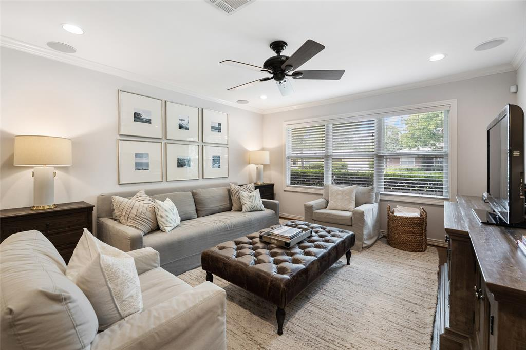 813 Woodstock Street Property Photo - Bellaire, TX real estate listing