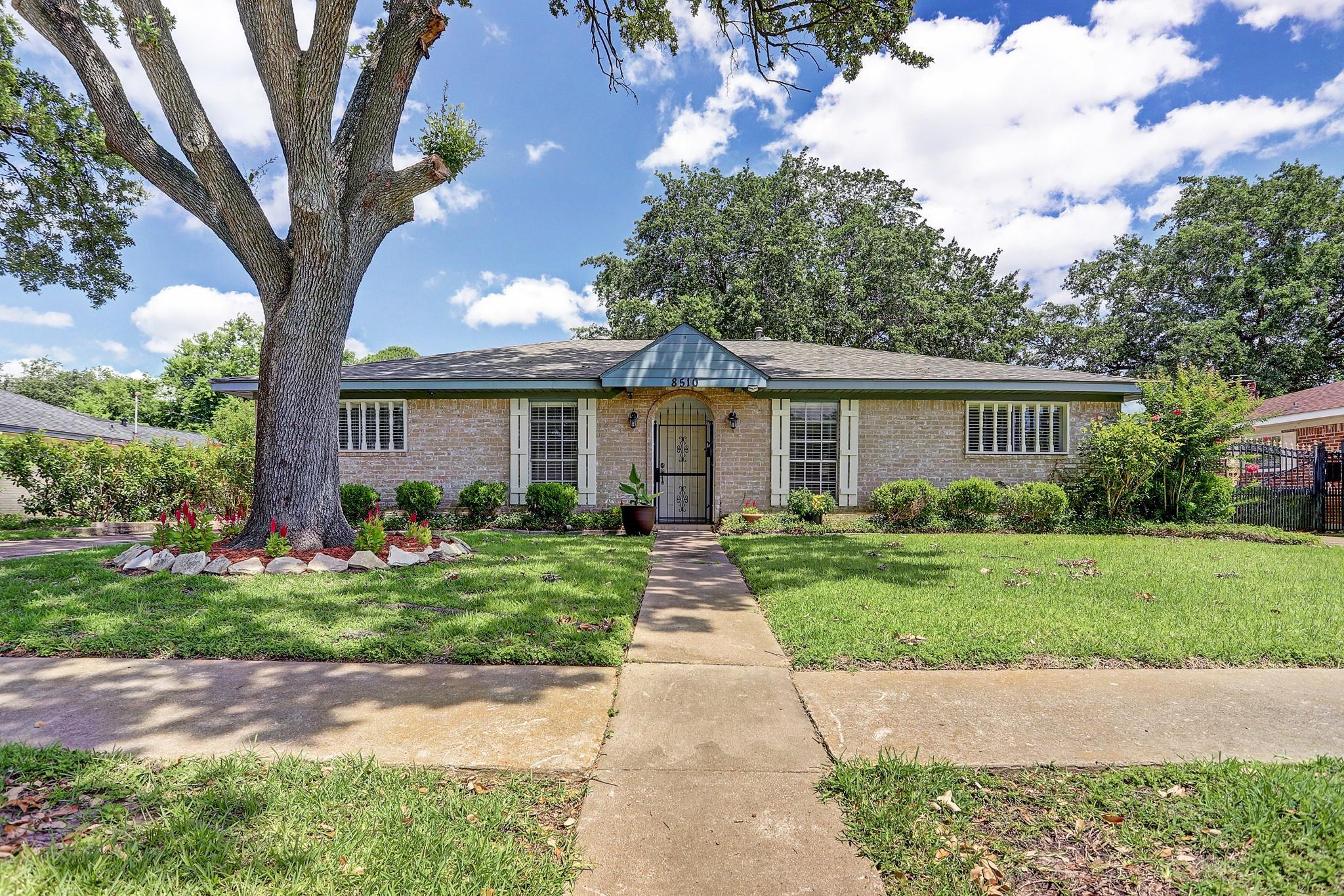 8510 Hazen Street Property Photo