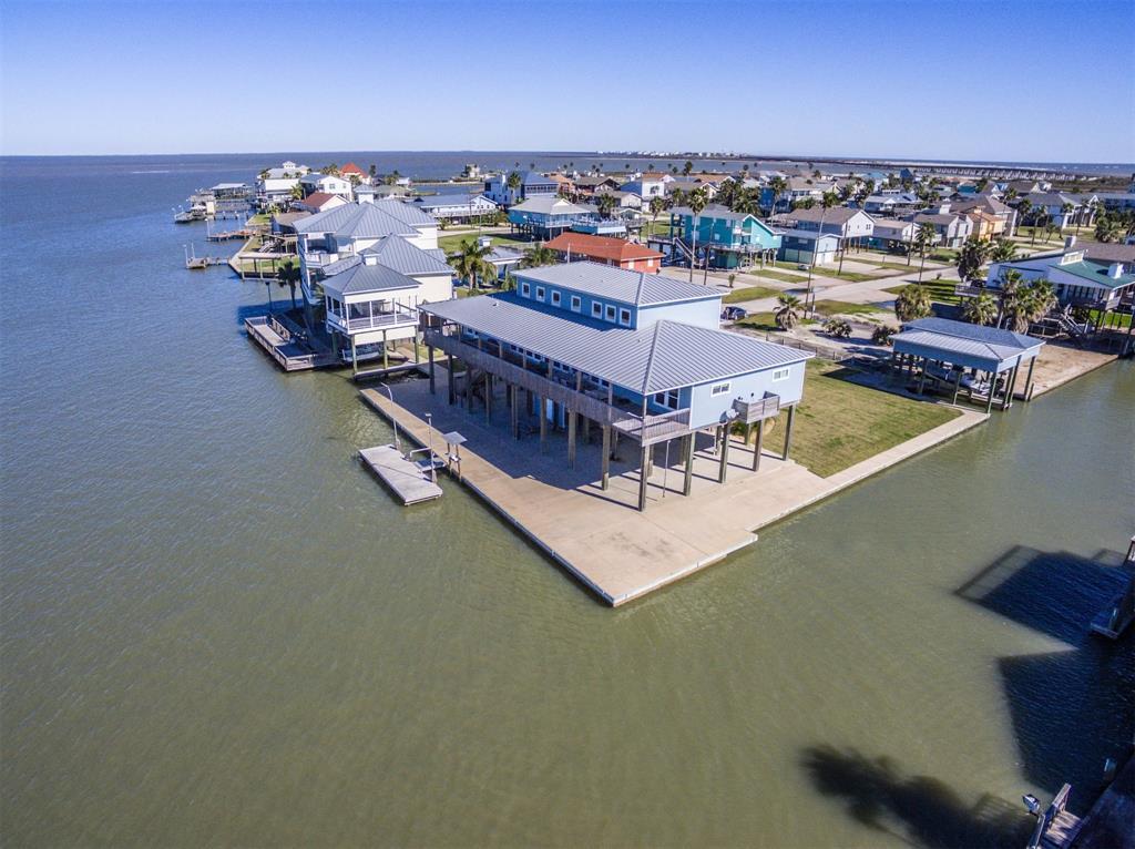 347 Schooner Drive, Freeport, TX 77541 - Freeport, TX real estate listing
