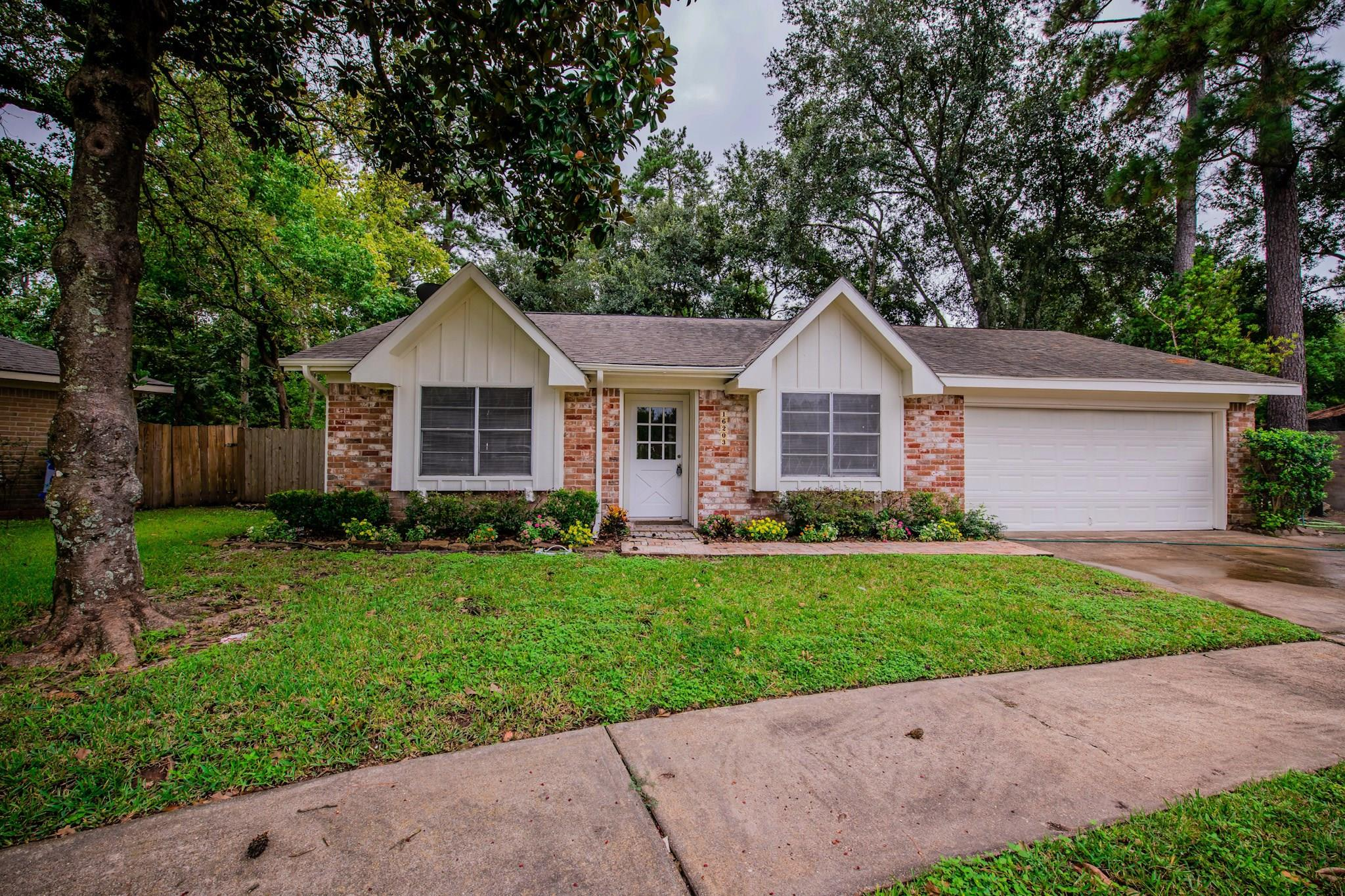 16203 Brinkwood Dr N Property Photo - North Houston, TX real estate listing
