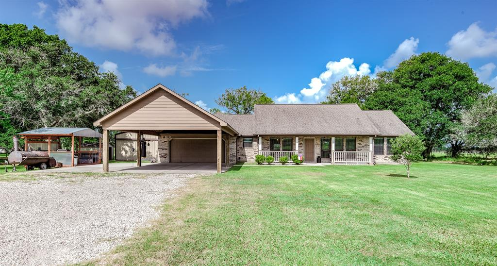 10520 County Road 200 Property Photo - Alvin, TX real estate listing