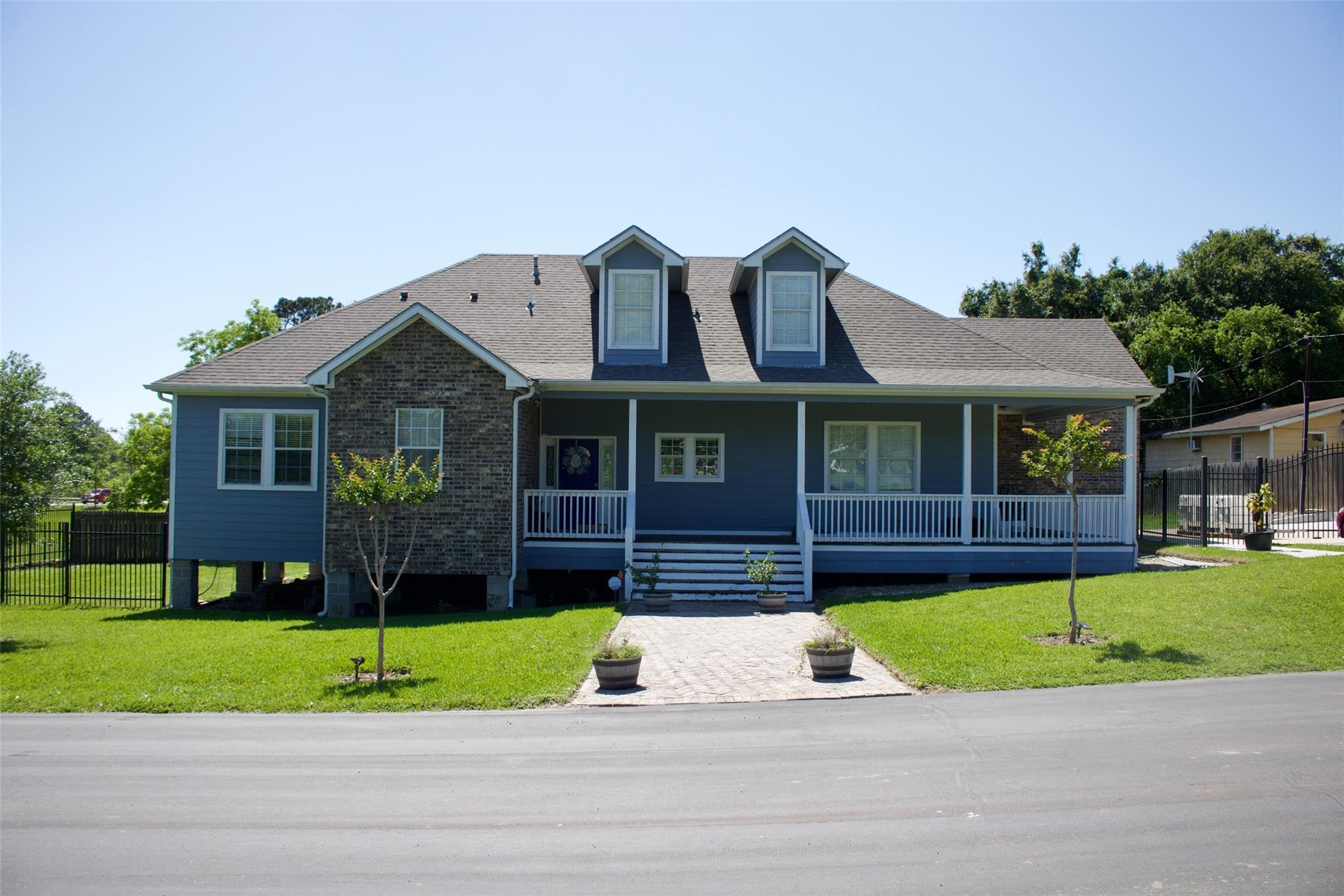 1521 Thompson Street Property Photo