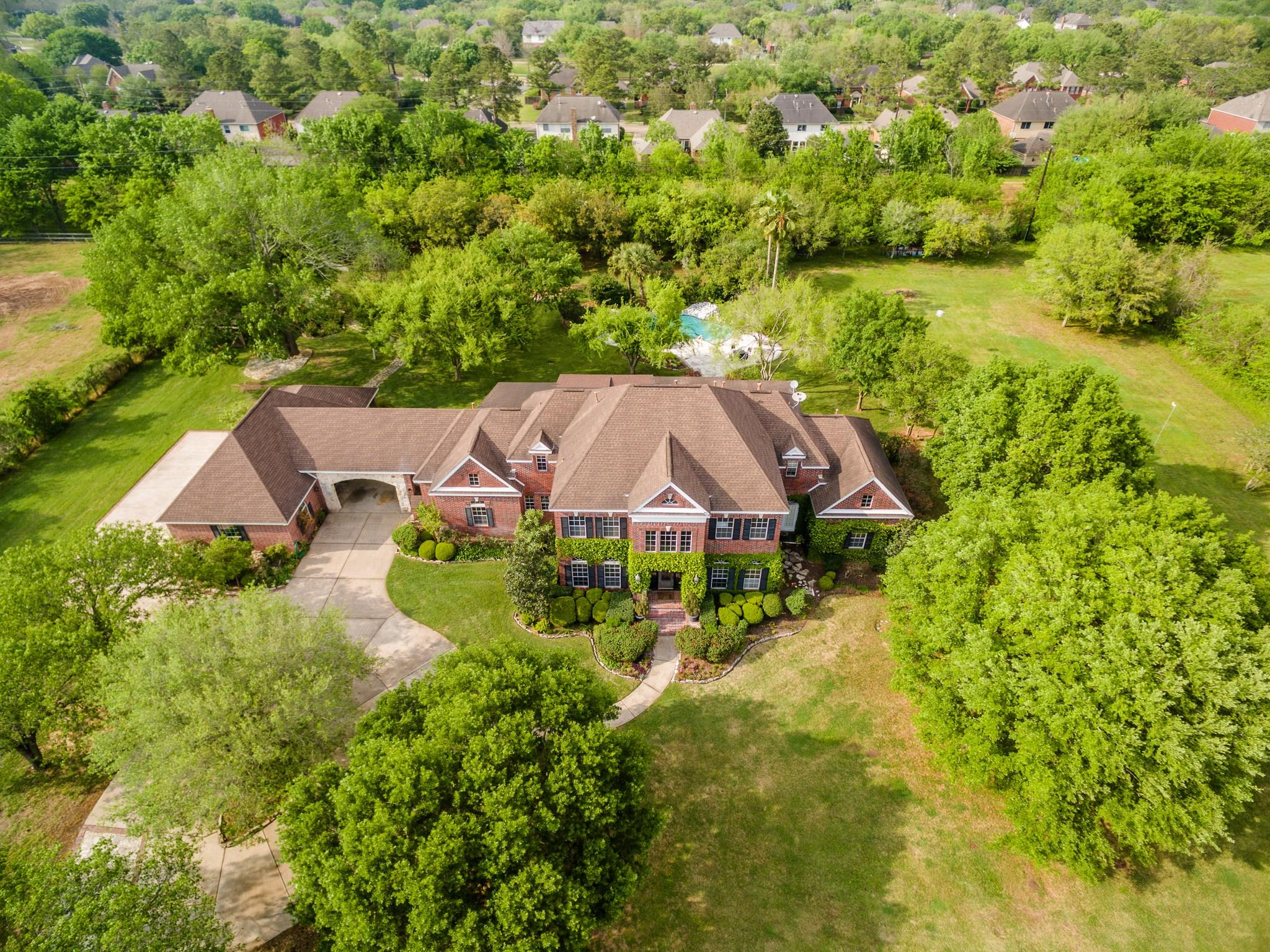 4015 Maranatha Drive Property Photo - Sugar Land, TX real estate listing