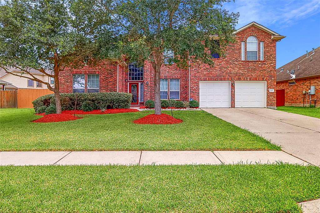 1109 Richards Drive Property Photo - Friendswood, TX real estate listing