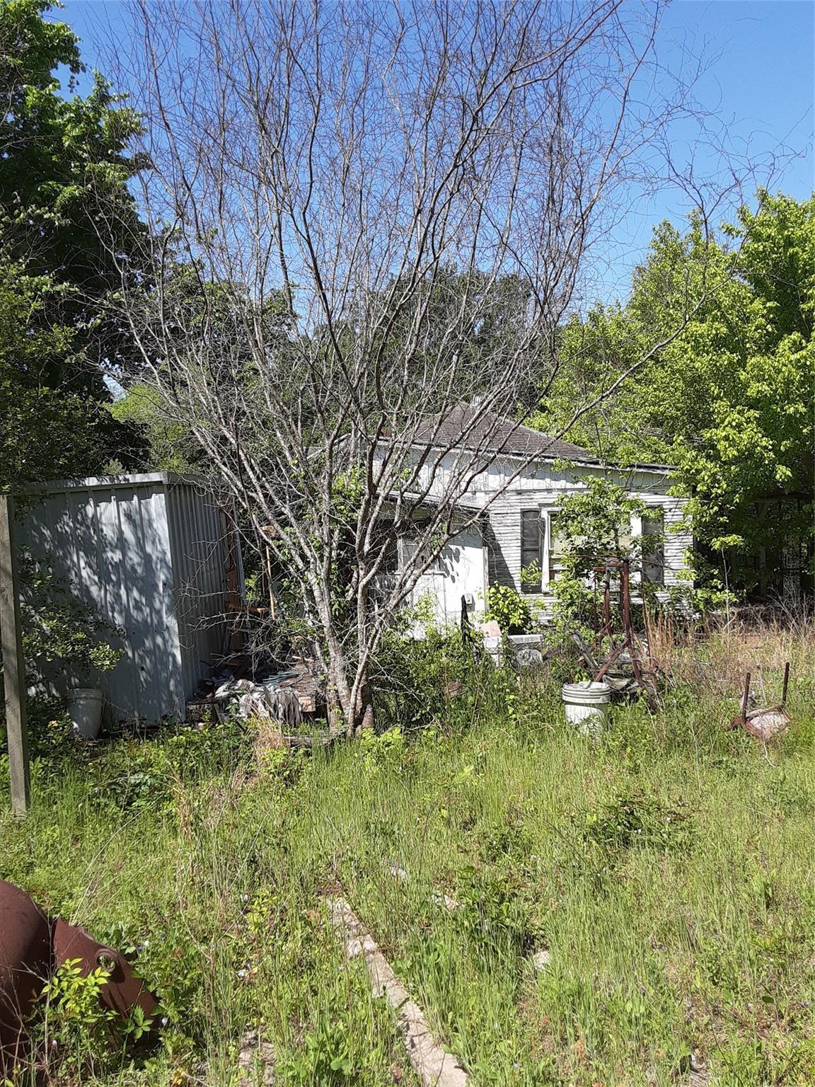 3567 Lynn Road Property Photo 1