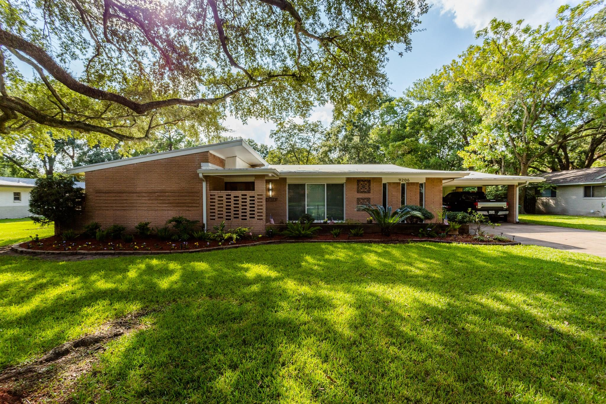 9206 Bonhomme Road Property Photo - Houston, TX real estate listing