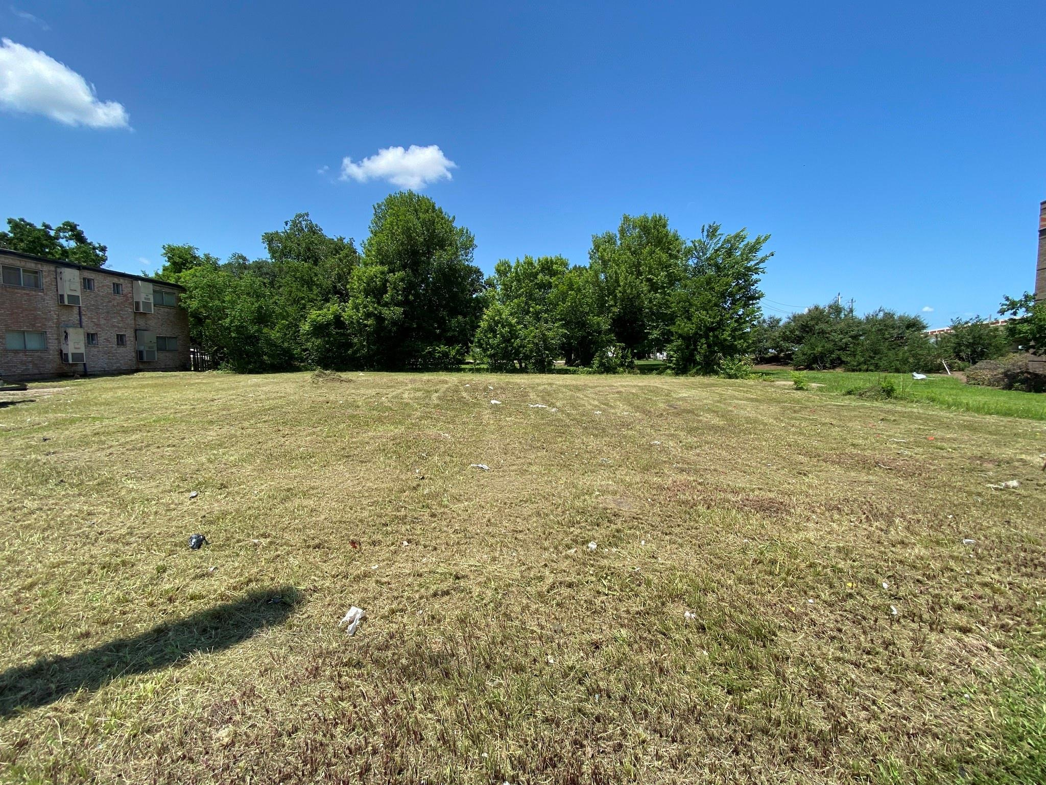 202 Texas Parkway Property Photo