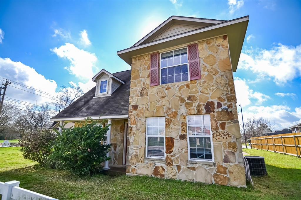 513&518 Camp Court Property Photo - College Station, TX real estate listing
