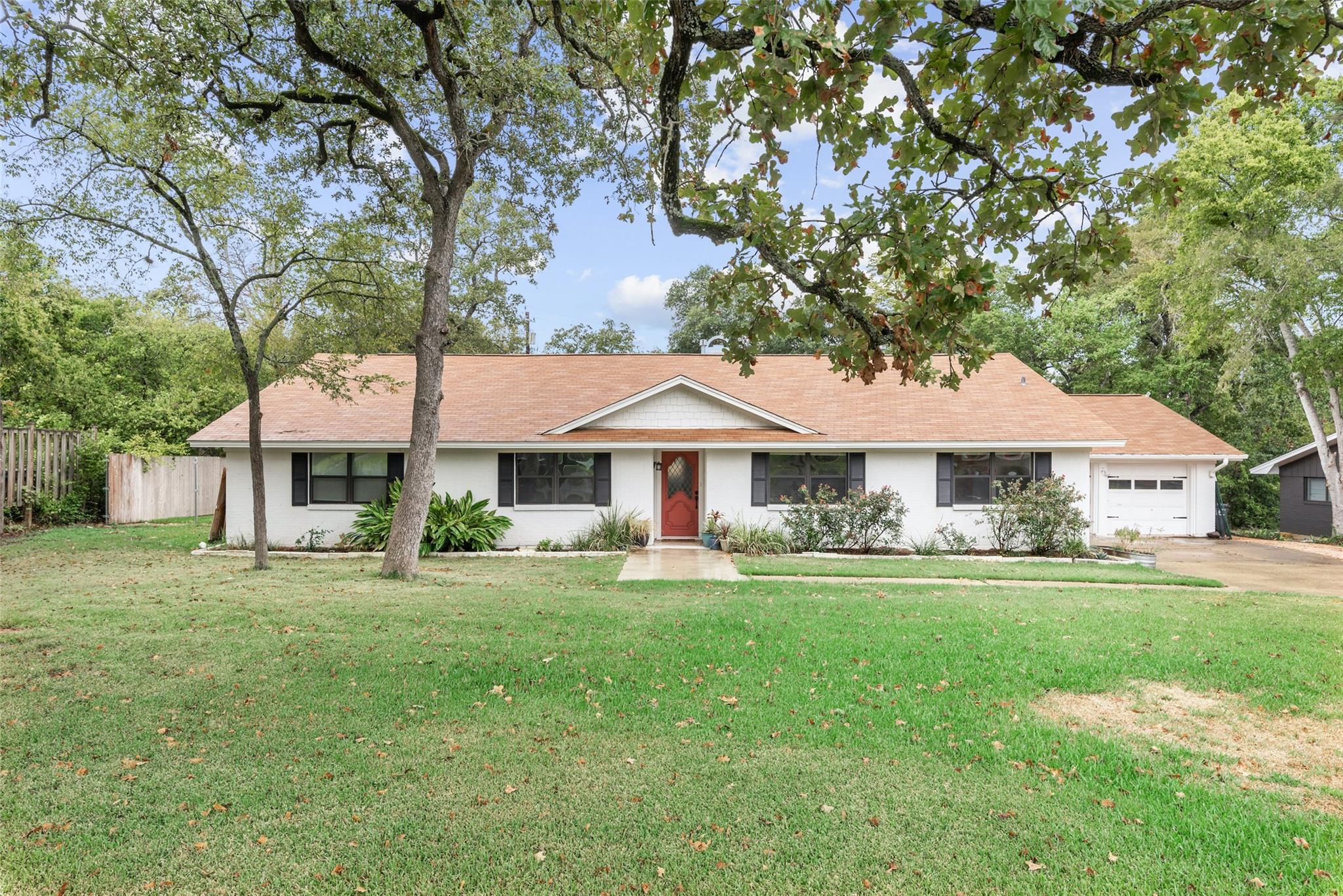 1015 Holt Street Property Photo - College Station, TX real estate listing