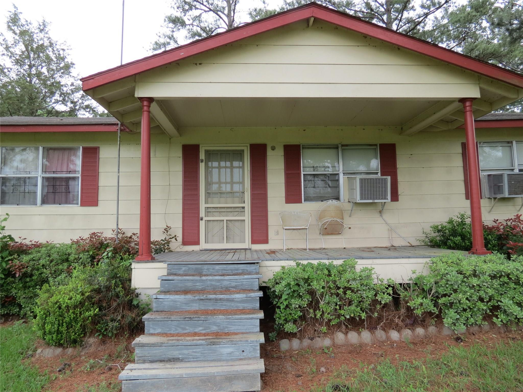 205 Hoke 2 Road Property Photo - Bedias, TX real estate listing