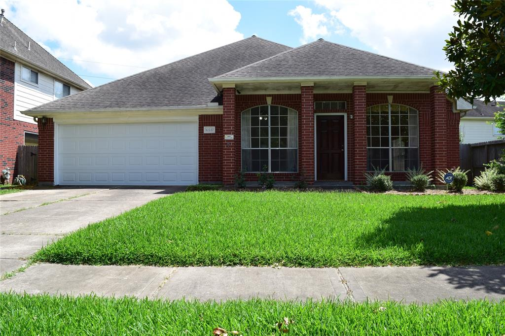 12227 Meadowglen Drive, Meadows Place, TX 77477 - Meadows Place, TX real estate listing