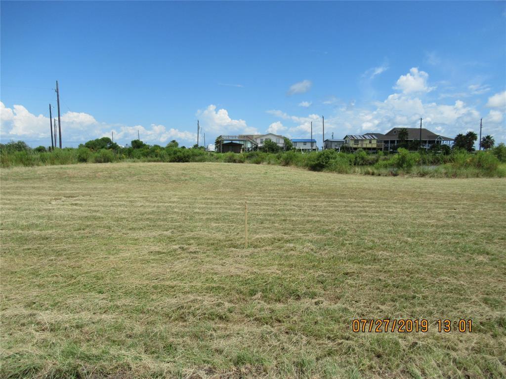 000 Lyle Lane Property Photo - Smith Point, TX real estate listing