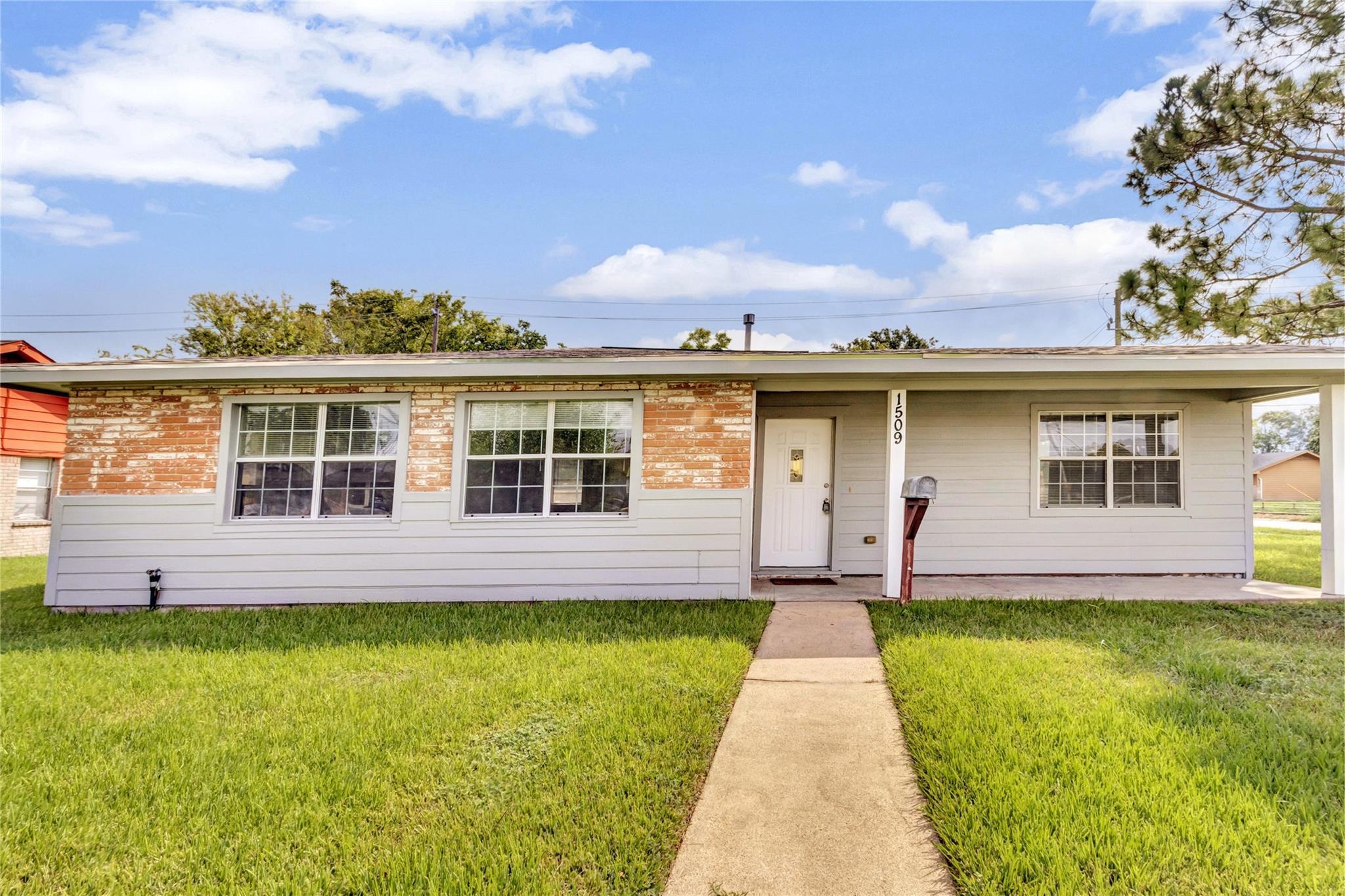 1509 Orrel Drive Property Photo - Pasadena, TX real estate listing