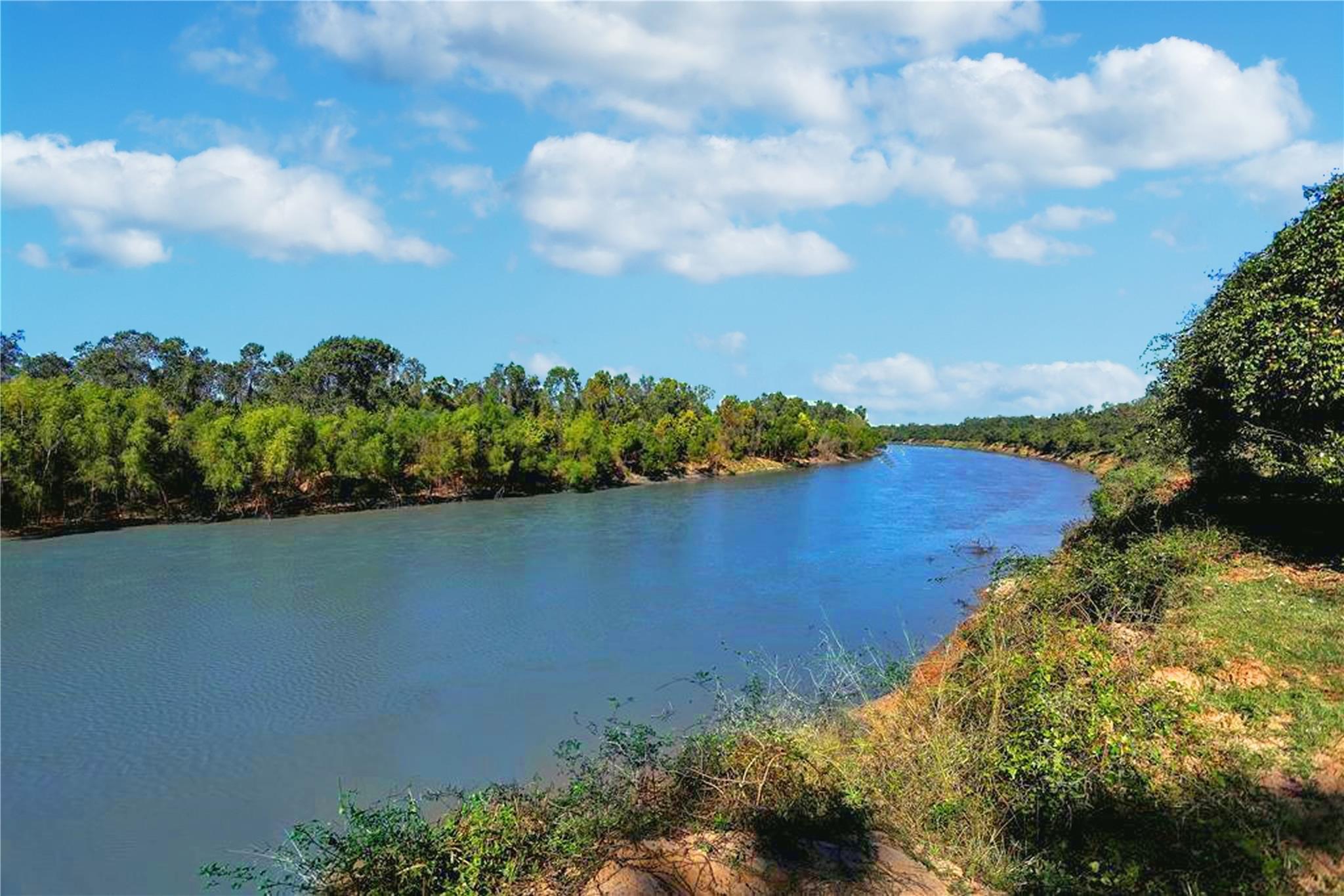 000 Laprada Trace Property Photo - Fulshear, TX real estate listing