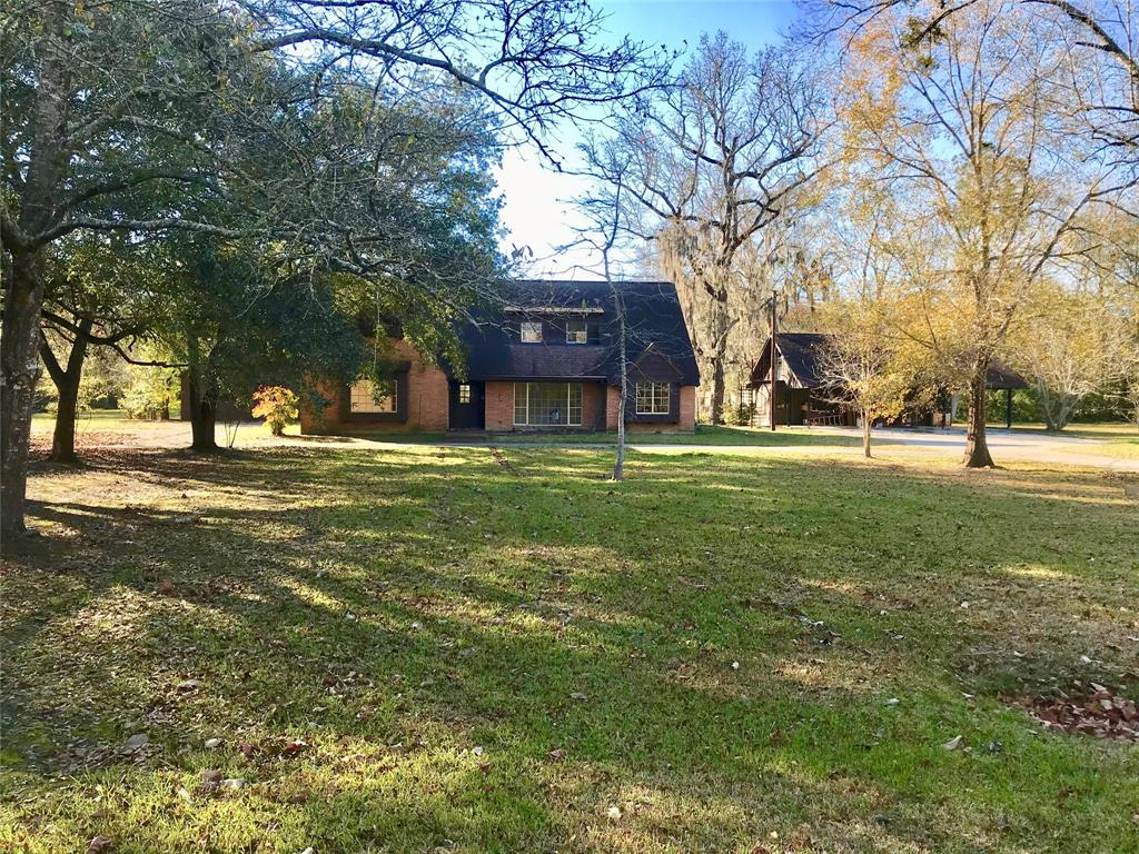 216 County Road 2422 Property Photo - Hull, TX real estate listing