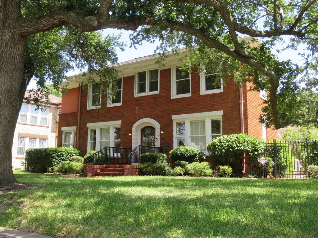 20 Cedar Lawn Circle, Galveston, TX 77551 - Galveston, TX real estate listing