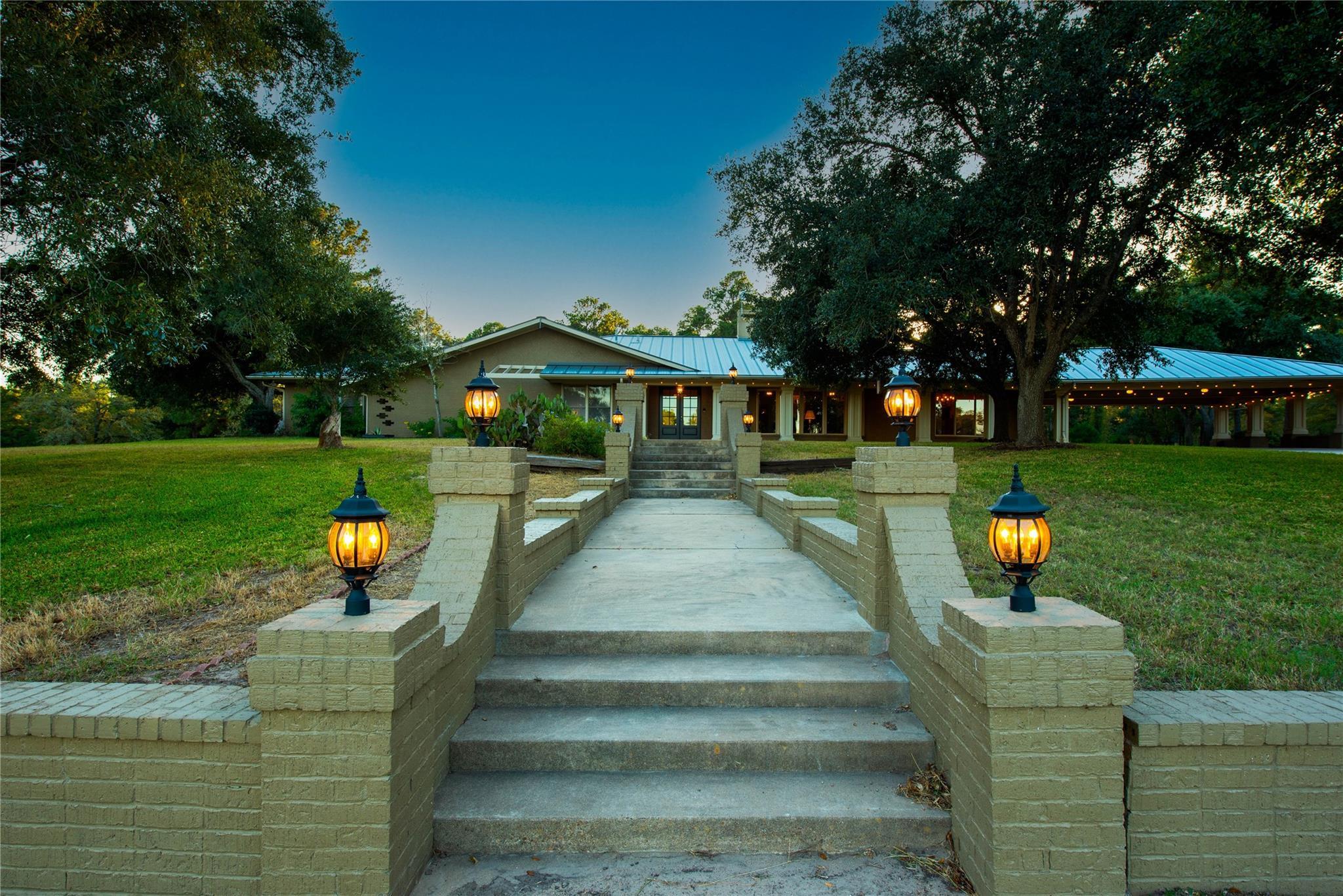 Giddings Real Estate Listings Main Image