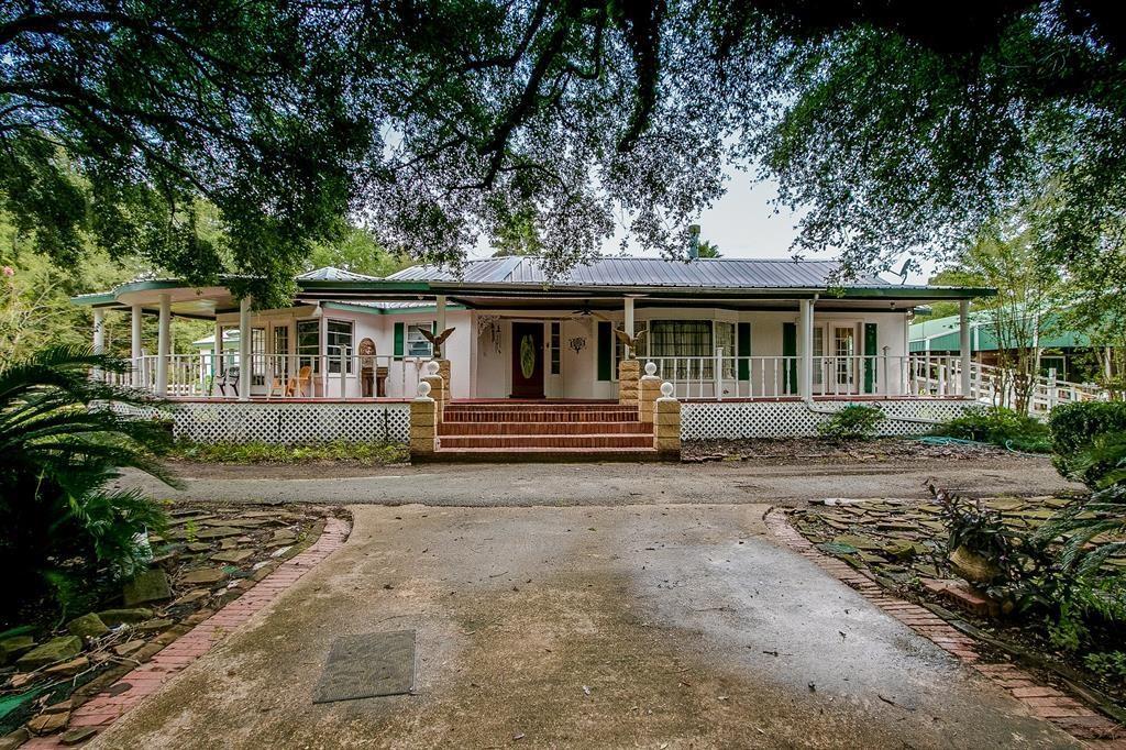 8511 Kings Oak Drive Property Photo 1