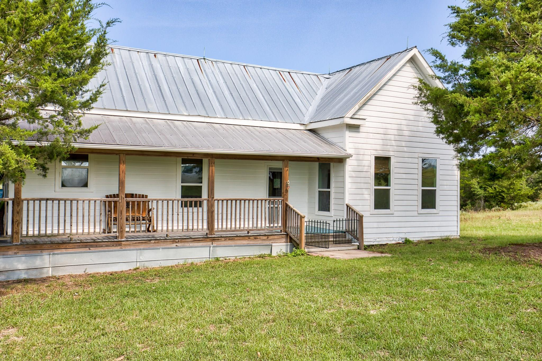 1156 Private Rd 5012 Property Photo - Ledbetter, TX real estate listing