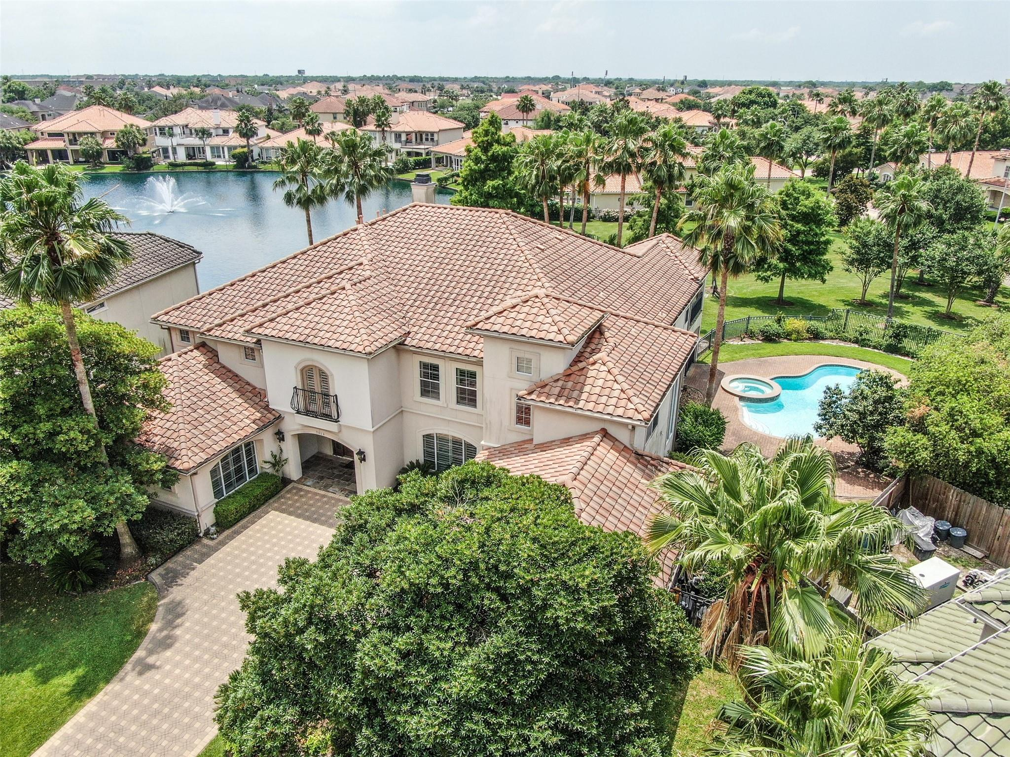 2014 Diamond Springs Drive Property Photo - Houston, TX real estate listing