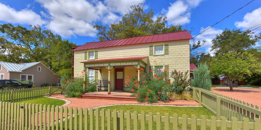 404 N Milam Street, Fredericksburg, TX 78624 - Fredericksburg, TX real estate listing