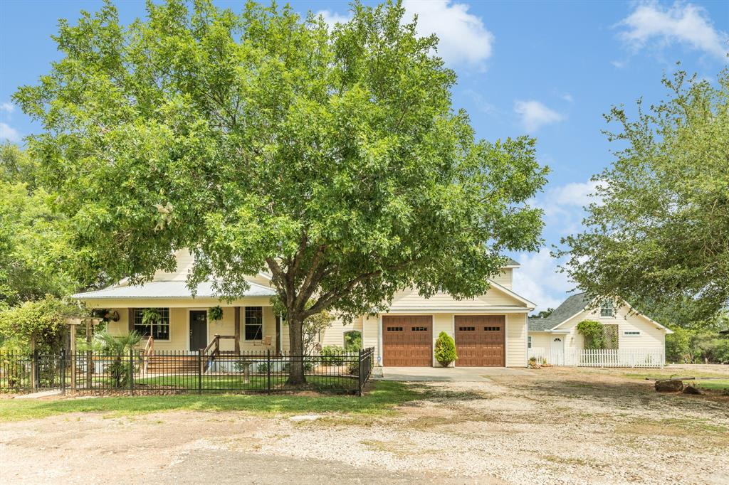 330 N Dixie Drive Property Photo - Clute, TX real estate listing