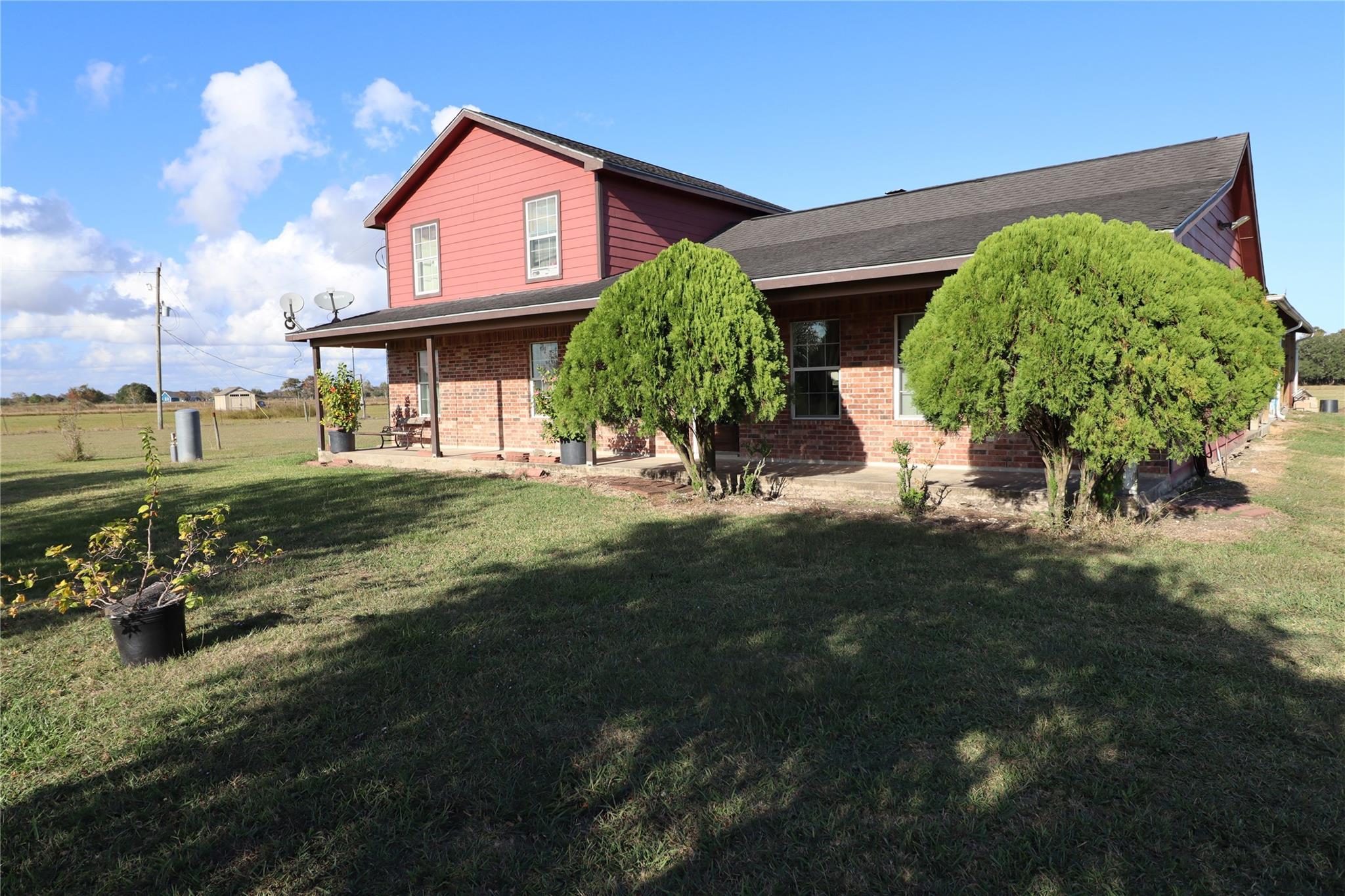 5323 County Road 208 Property Photo - Danbury, TX real estate listing