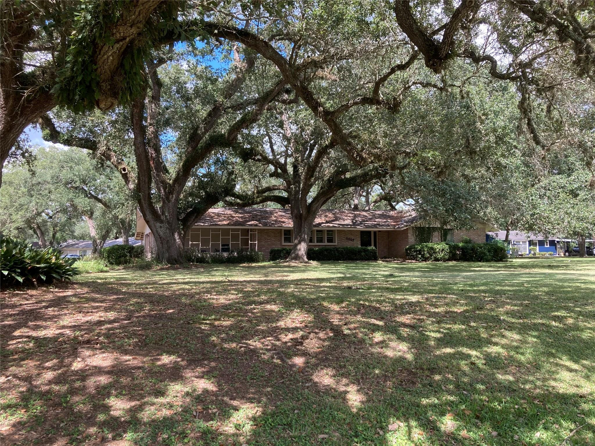 5003 Fm 442 Road Property Photo - Boling, TX real estate listing