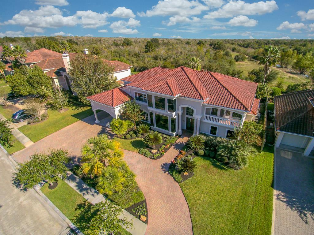 18819 Windsor Lakes Drive Property Photo - Houston, TX real estate listing