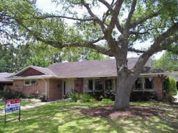 4601 Creekbend Drive Property Photo - Houston, TX real estate listing