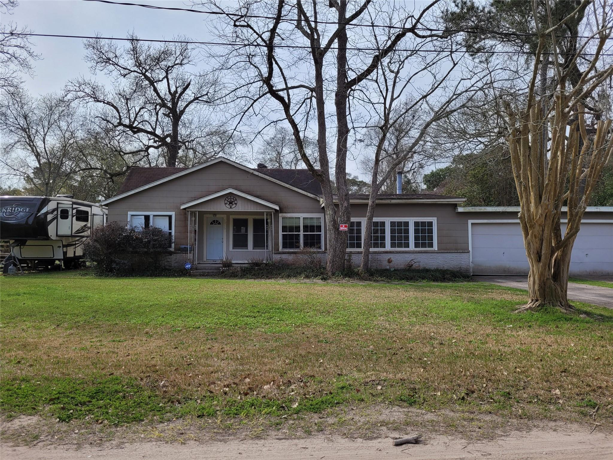 1315 Clear Lake Road Property Photo - Highlands, TX real estate listing