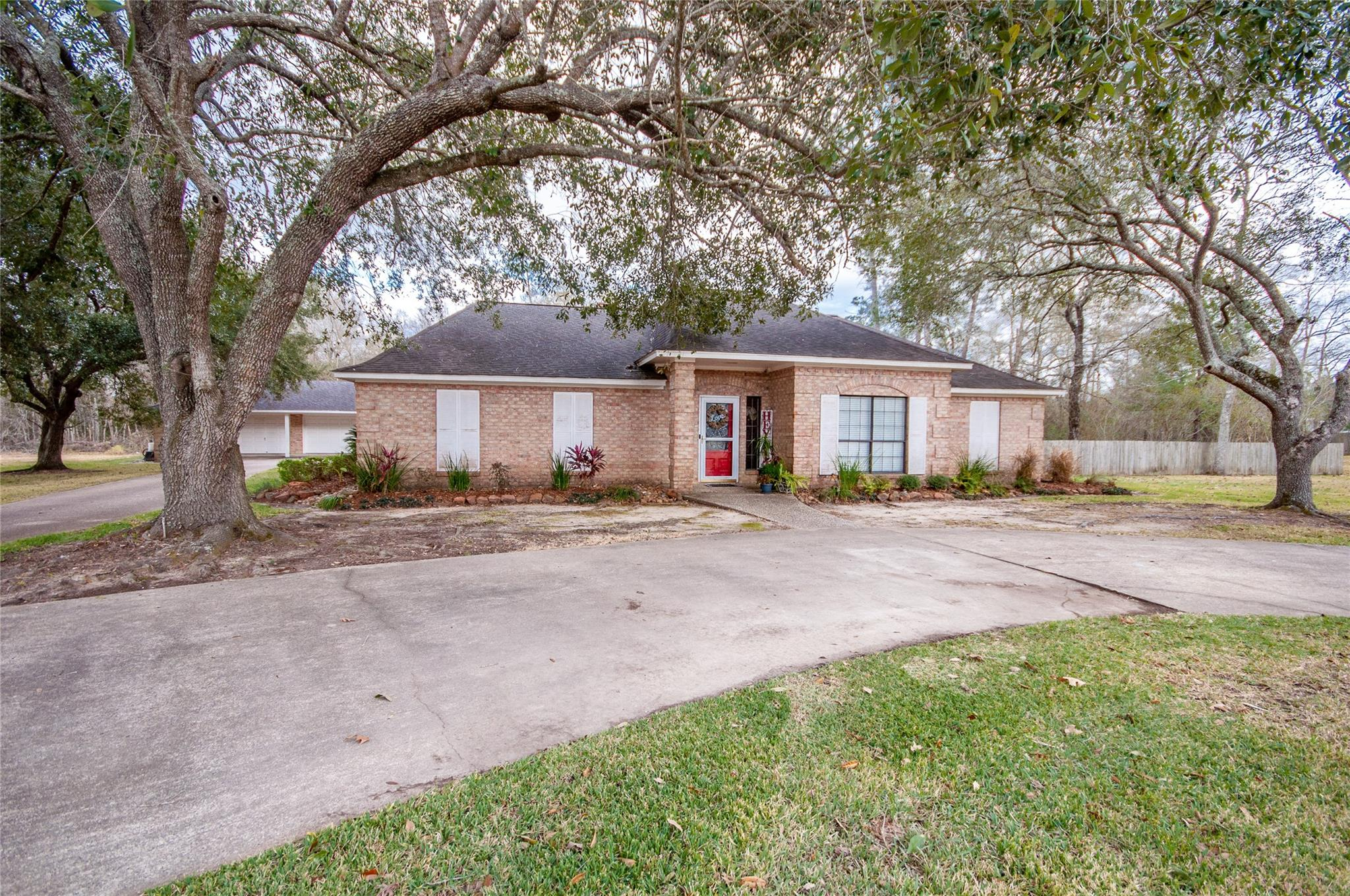 102 Mockingbird Lane Property Photo - Liberty, TX real estate listing