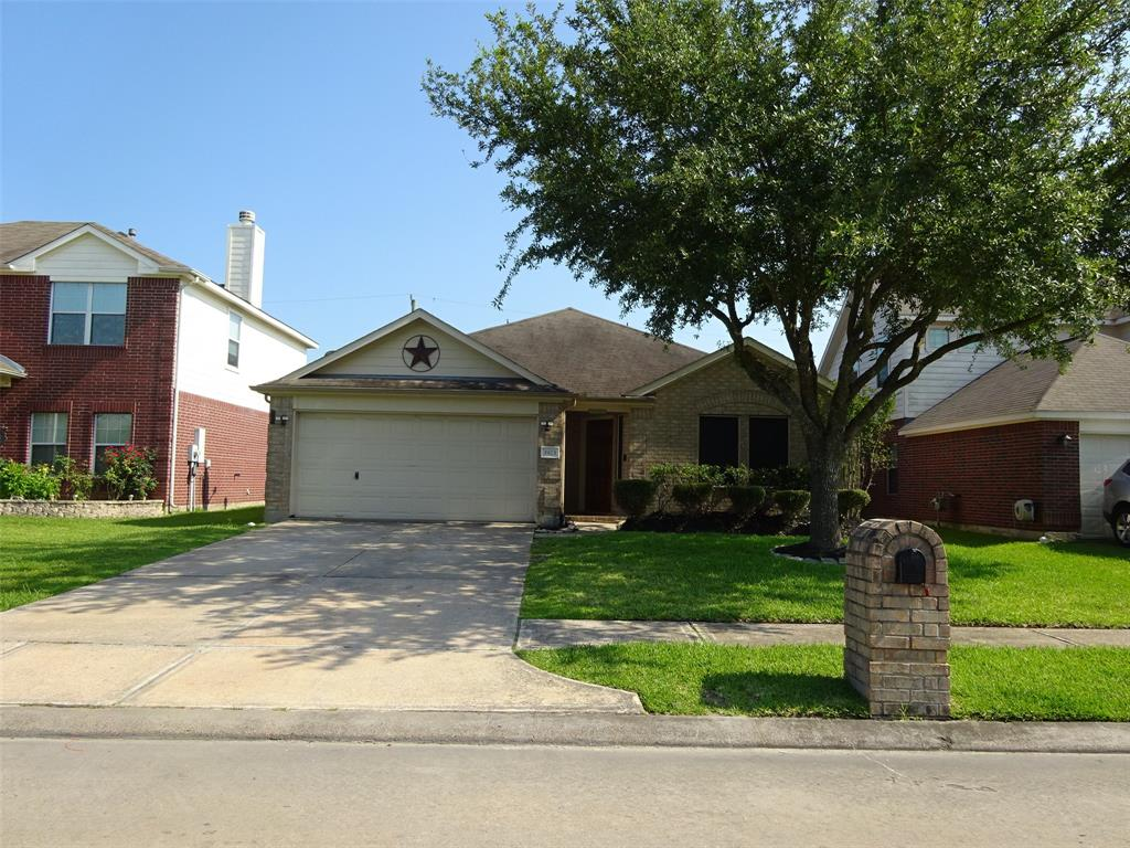 1923 Manor Drive Property Photo - Baytown, TX real estate listing