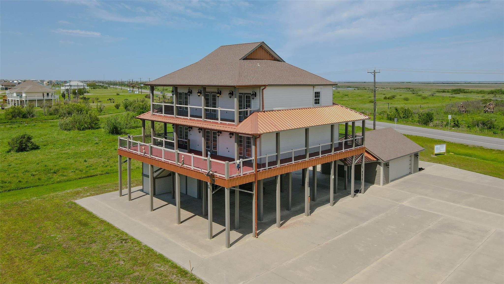 883 Gulf Cedar Drive Property Photo - Crystal Beach, TX real estate listing