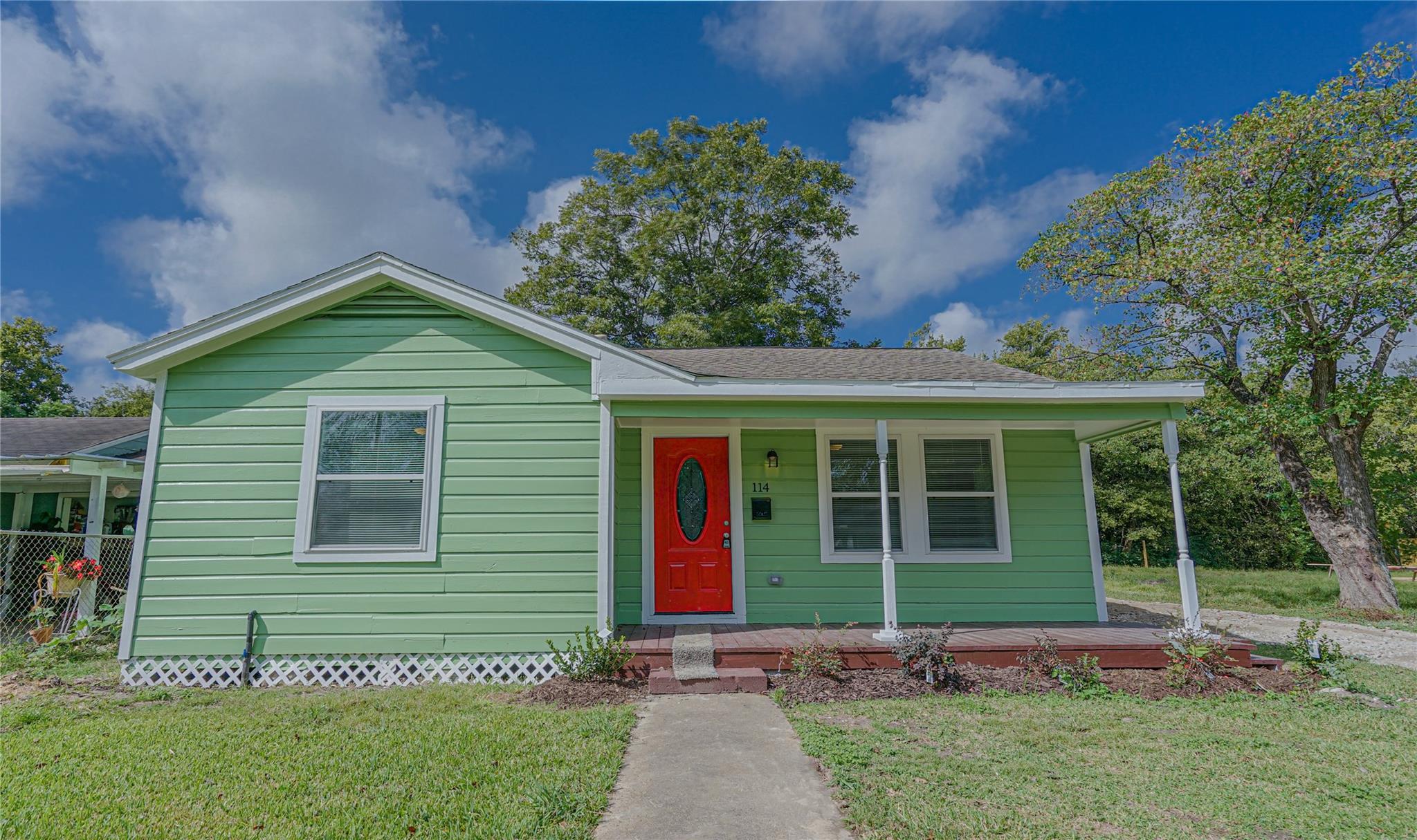 114 Weldon Street Property Photo - South Houston, TX real estate listing
